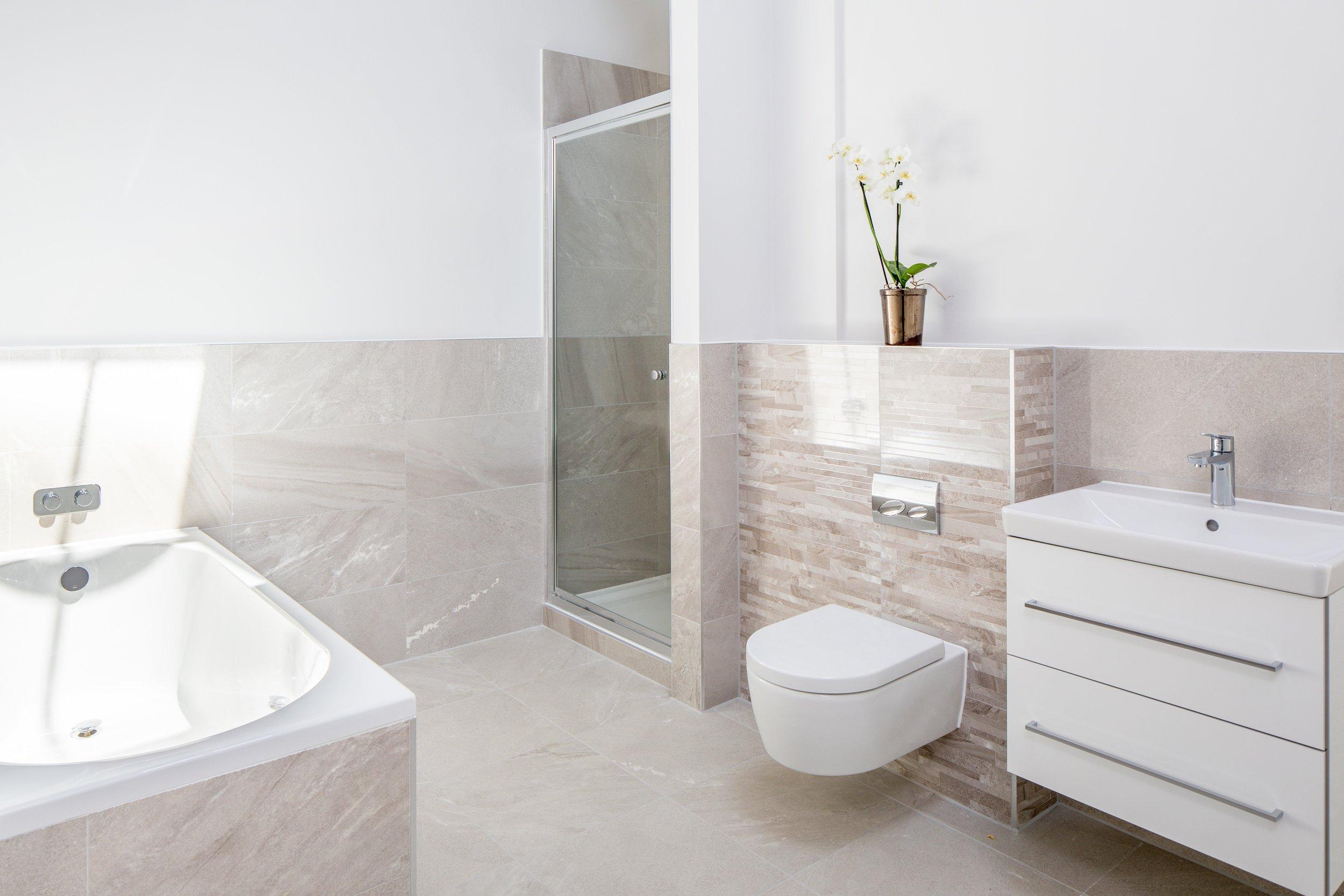 _Z1A4303-Edit C bathroom.jpg
