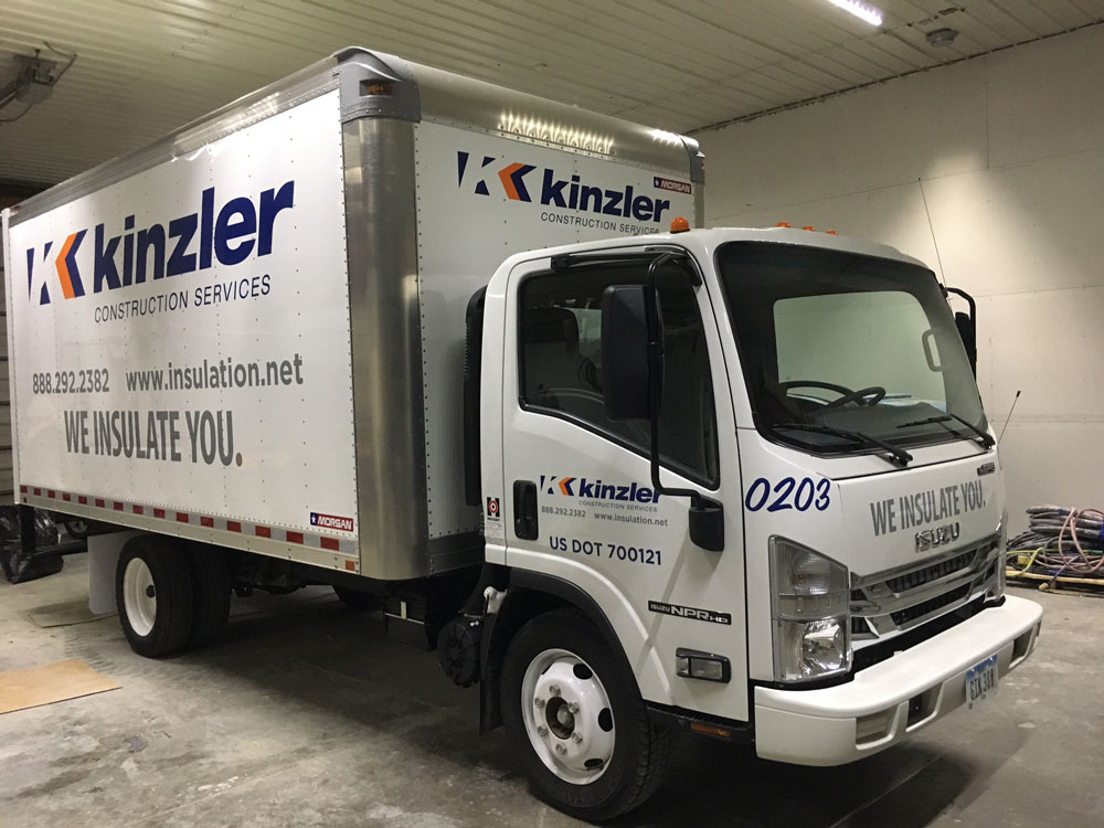 Kinzler-isuzu-box-truck-0203-pass-side-lettering.jpg