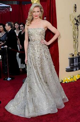 Cameron-Diaz-Oscar-De-La-Renta-Gold-dress-Oscars-Academy-Awards.jpg