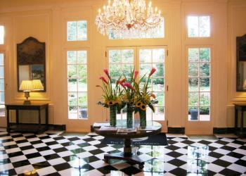 Duke+Mansion+-+foyer.jpg