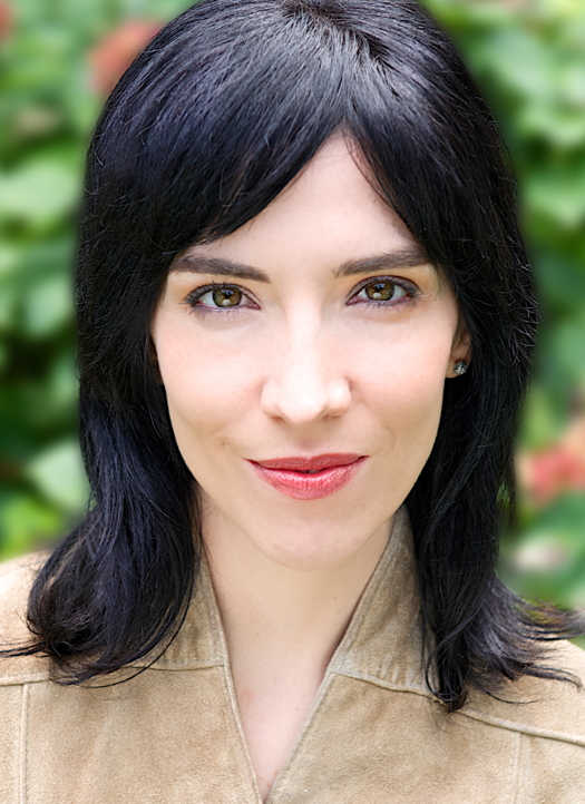 Larissa M | AVE