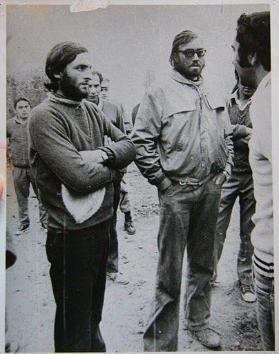 Roberto Canessa (left) and Nando Parrado upon reaching civilization.
