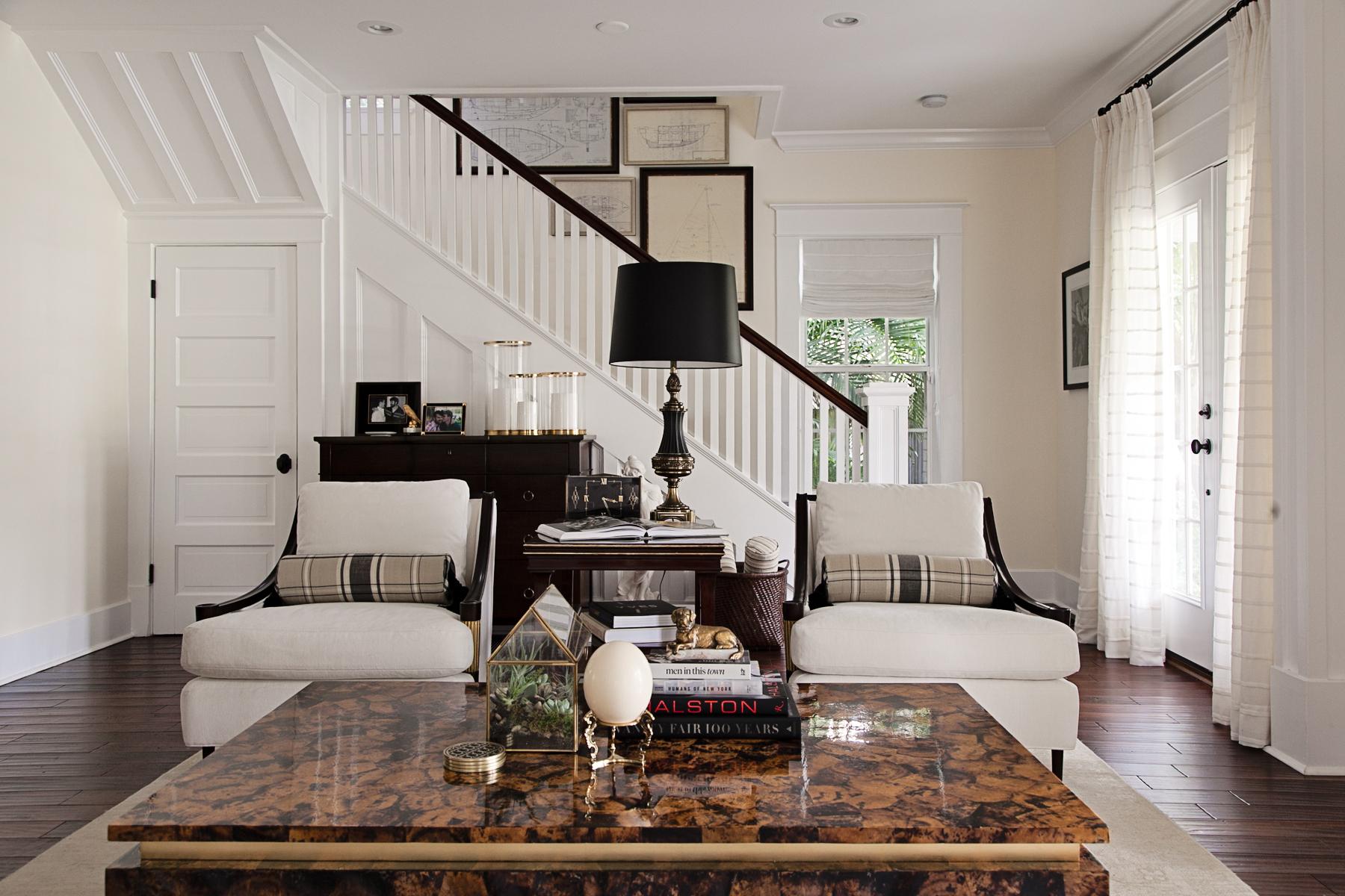 historic_monochromatic_interiordesign_Lisagilmoredesign1