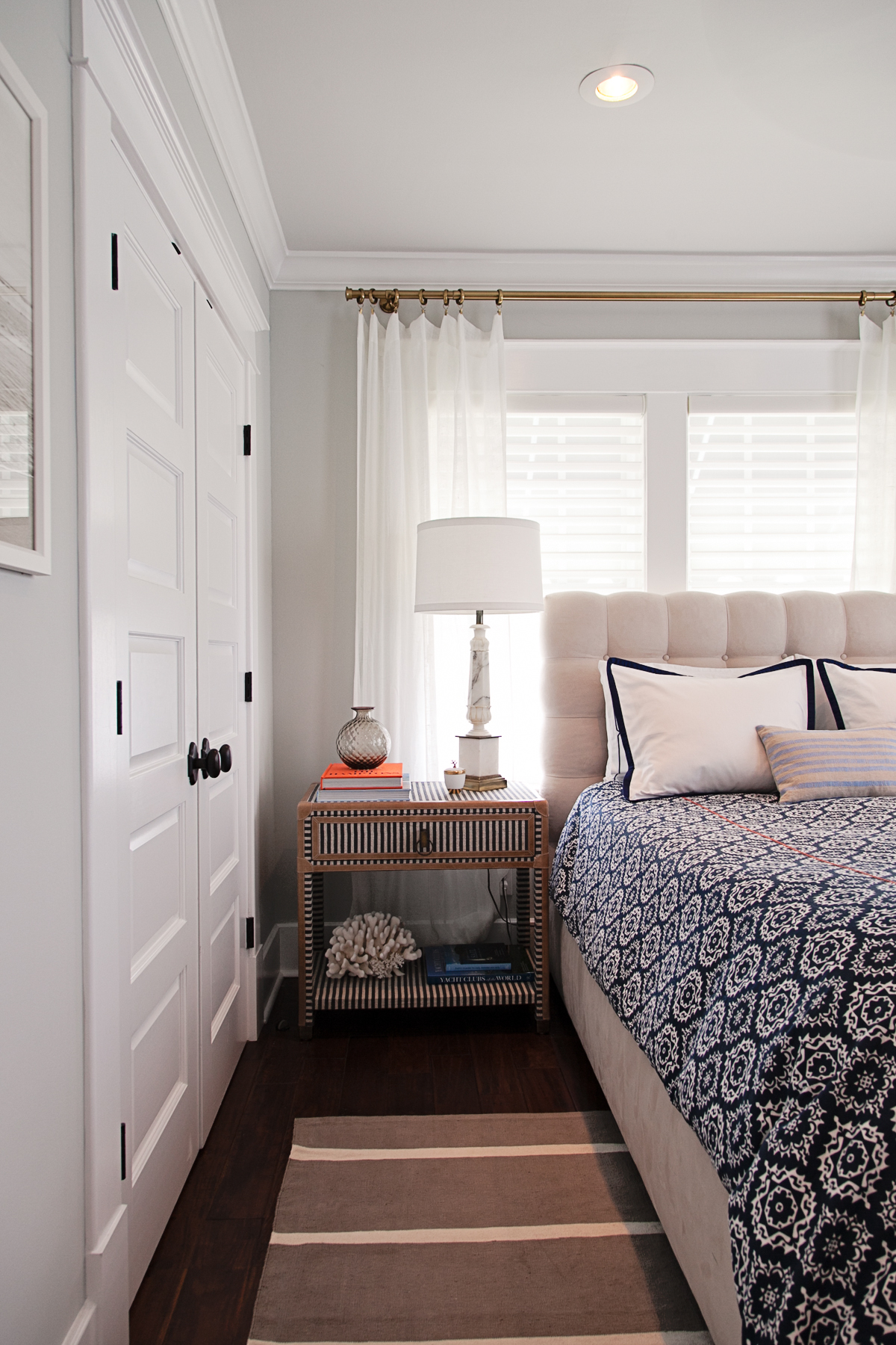 nautical inspired guest bedroom_pattern mixed bedding