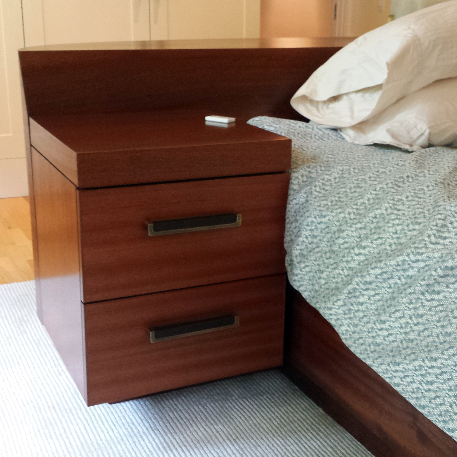 island_bed_hinged_sidetable.jpg