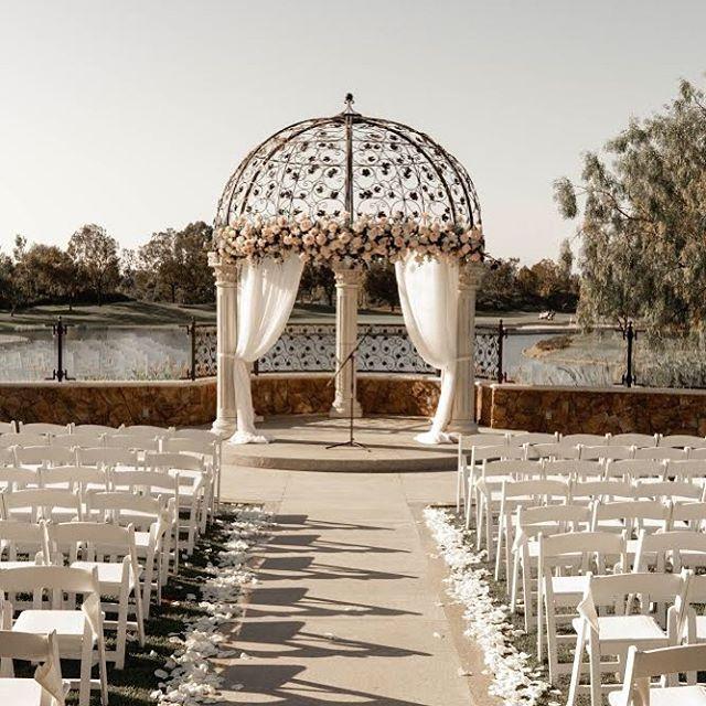 Wedding decor on point ✊🏼😎#stvnstng