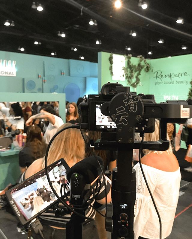 Great experience filming for Marc Anthony Cosmetics today at BeautyCon 👌🏼😎 Packed crowds and screaming audiences definitely made the highlights lol