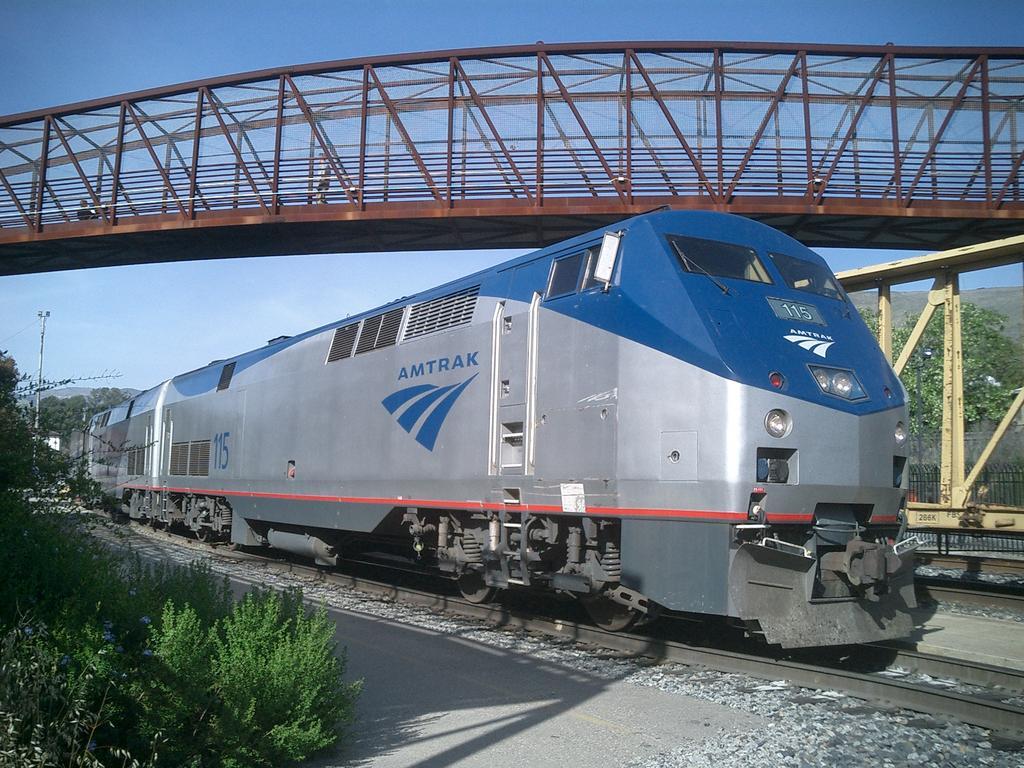 Amtrak train.jpg