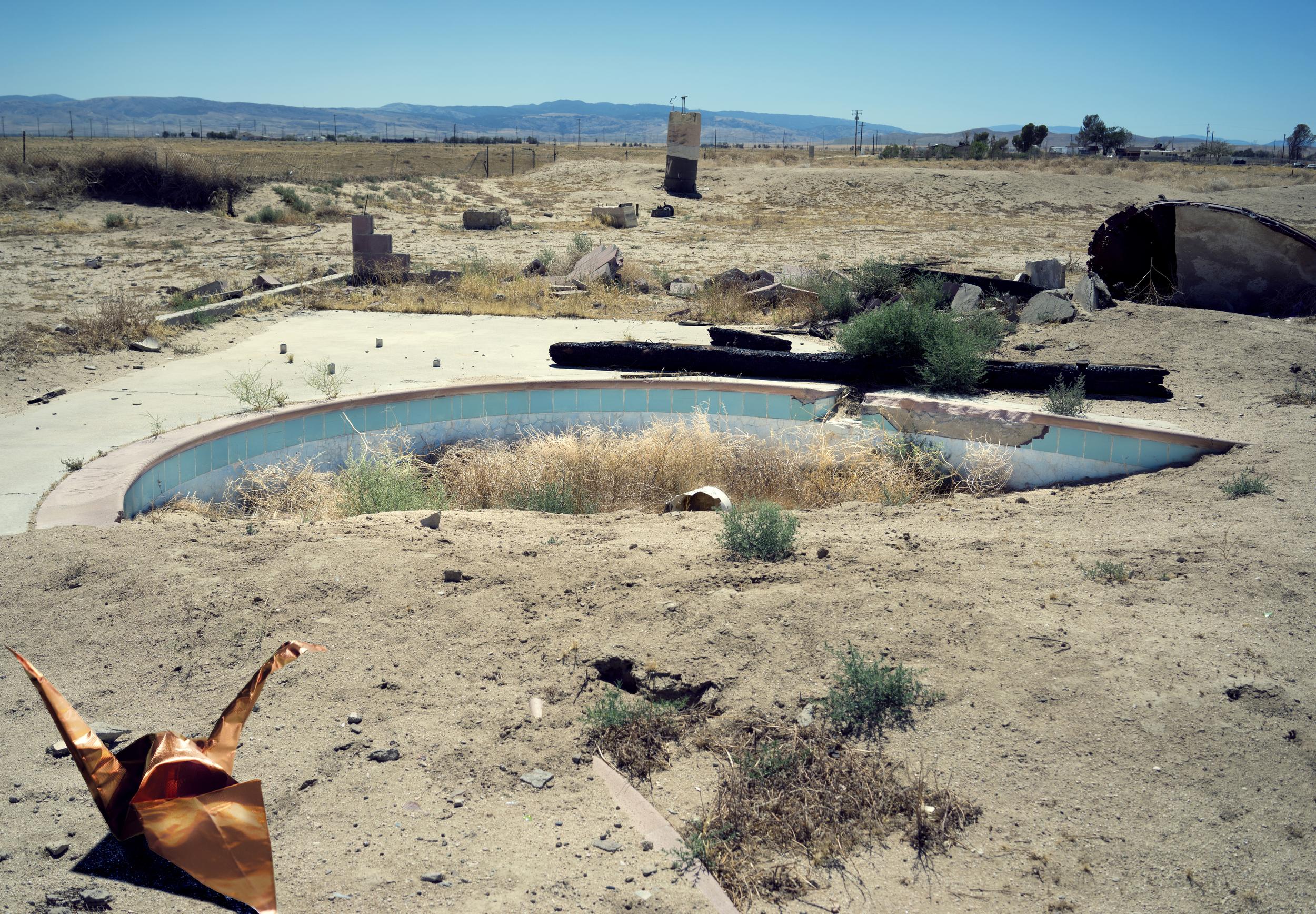 Deserted Pool Scene (2014)