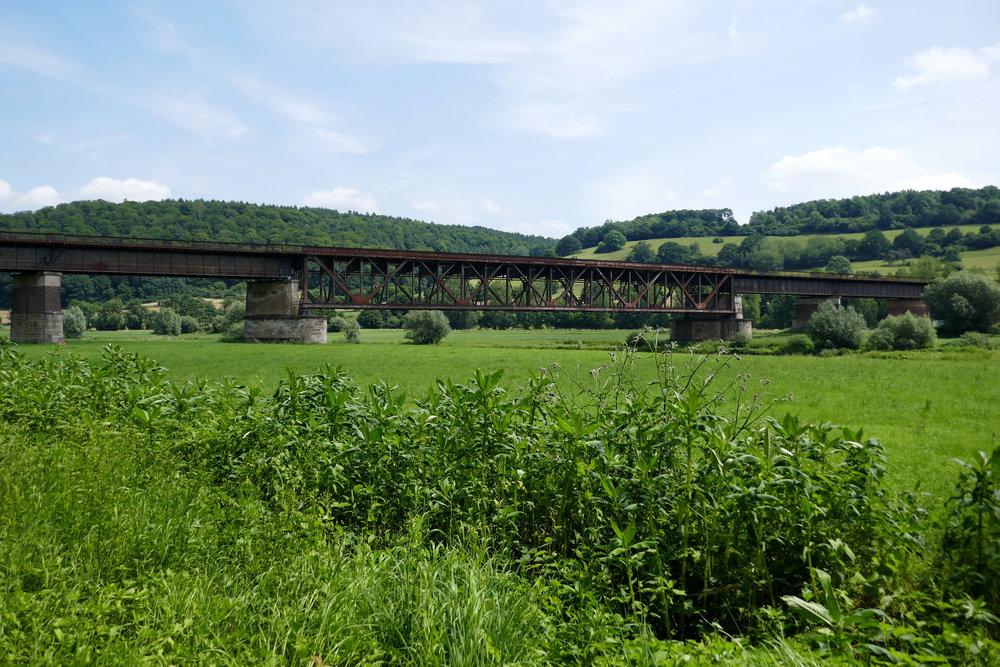 Tote Eisenbahnbrücke über die Weser