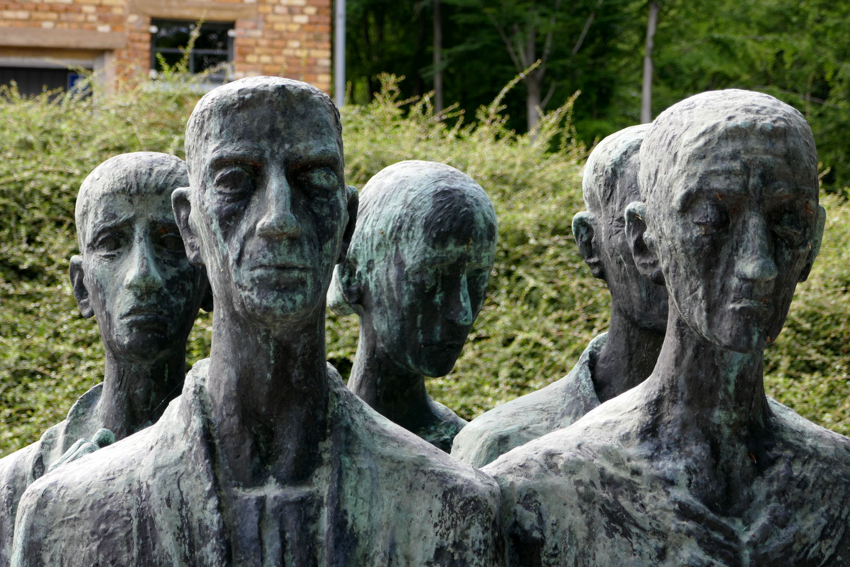 Gesichter des Denkmals für die Toten