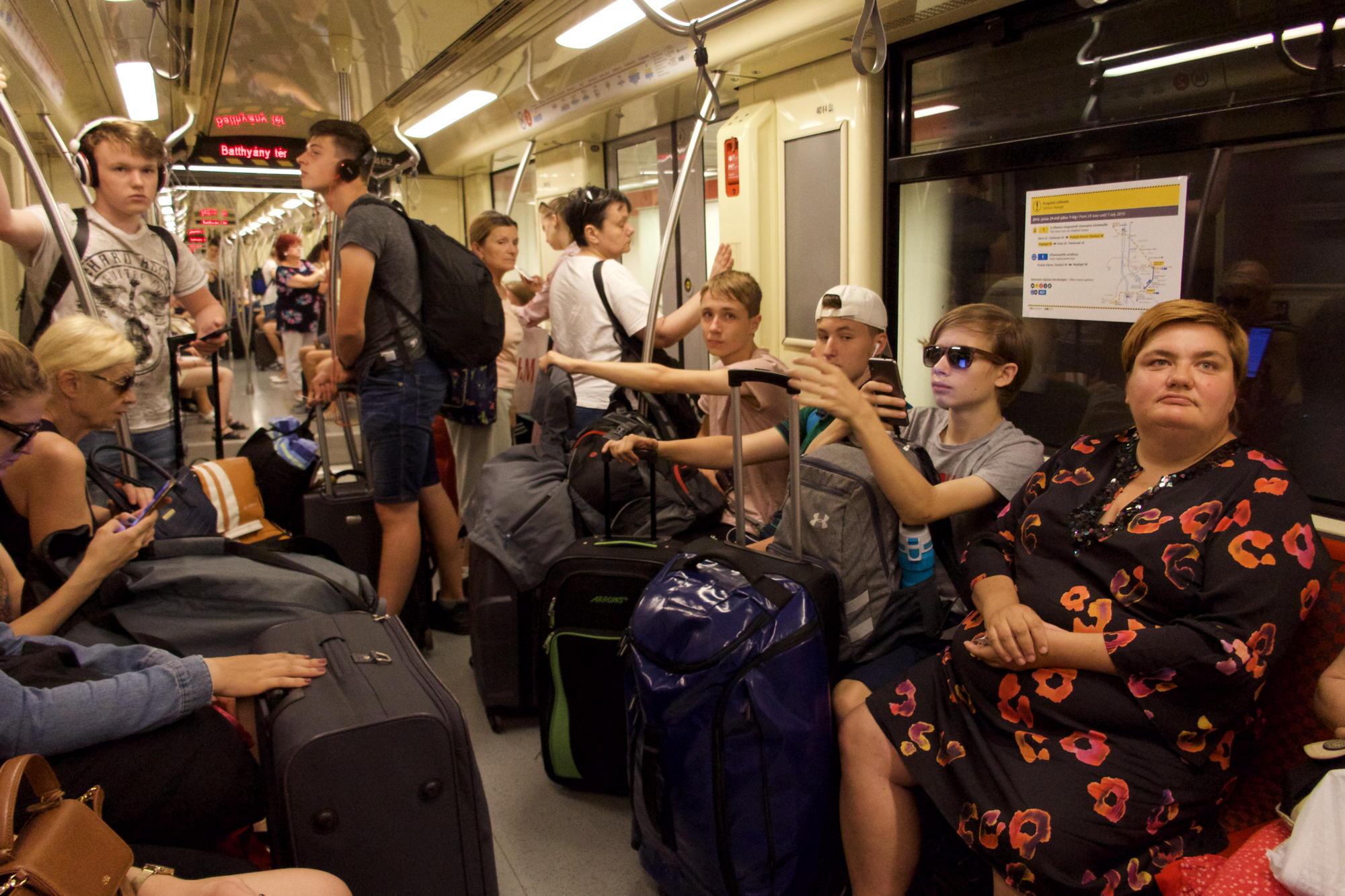 U-Bahnfahren in Budapest.jpg