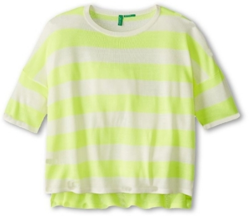 This  United Colors of Benetton Cropped Stripe Sweater comes in either a bright yellow stripe or a bright pink stripe, and is the perfect pop of color for your little one this spring and summer. Your little one is sure to have a good day in her fashion forward United Colors of Benetton® cropped sweater with high-low hem.