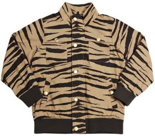 This  Mini Rodini ZEBRA JACKET is a cool and light cotton jacket with allover printed zebra stripes. It is made from organic cotton, has a straight fit with zipper at front and two pockets, and has soft ribs at cuffs and hem for perfect fit.
