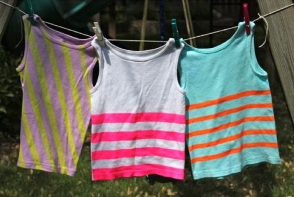 These DIY NEON STRIPED SHIRTBY GERBERMOM  fromhenry happened is an easy to follow tutorial with simple instructions and photos.