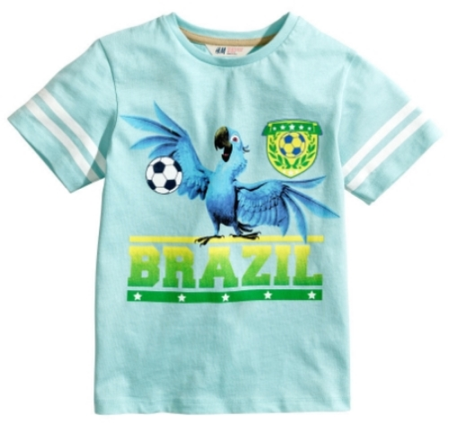 """This  H&M Graphic T-shirt is adorable with Blue from """"Rio"""" printed at the front.I got Mario this T-Shirt, as he loves both Soccer and """"Rio"""". This T-Shirt is cute for a boy or for a girl."""