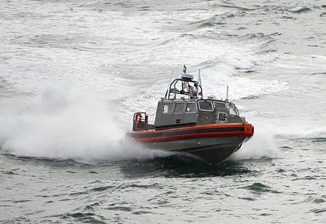 800px-coast guard boat.jpg