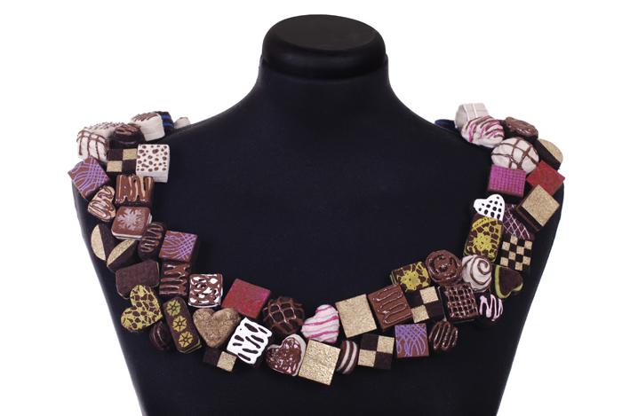 chocolates collar.jpg