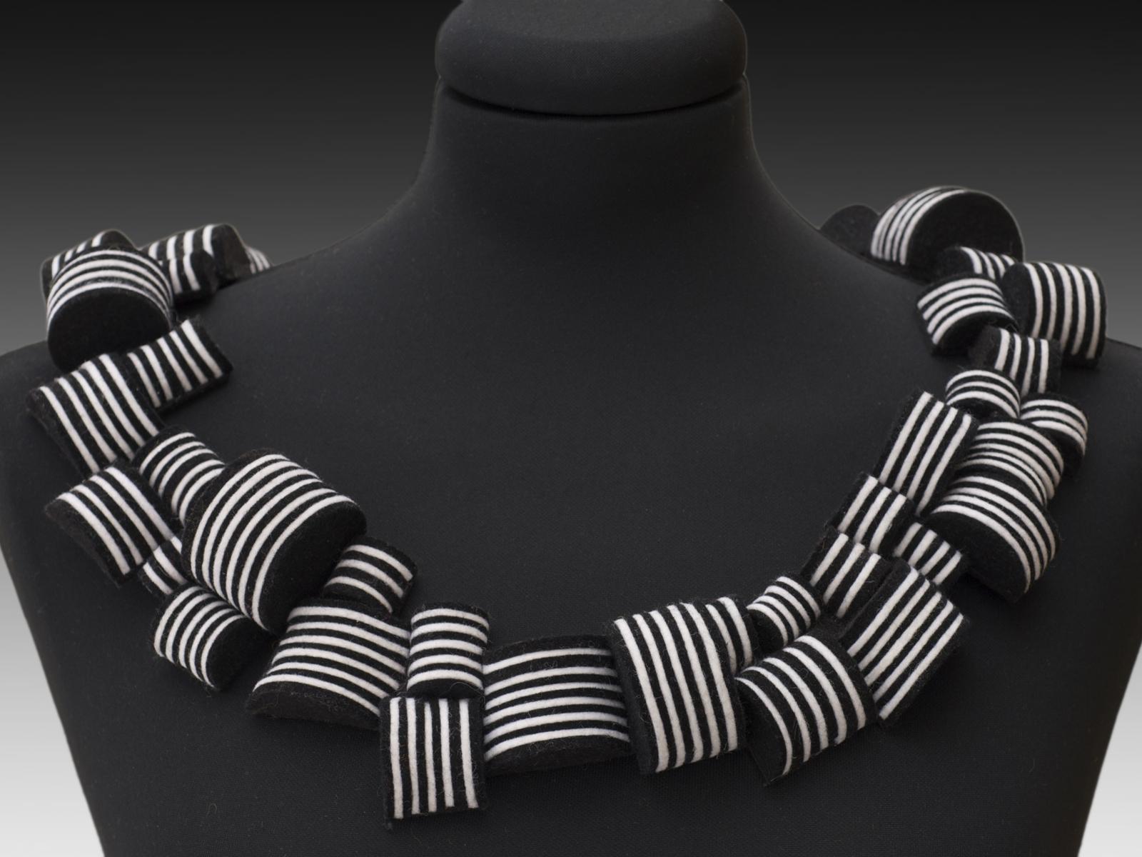 geometric collar.jpg