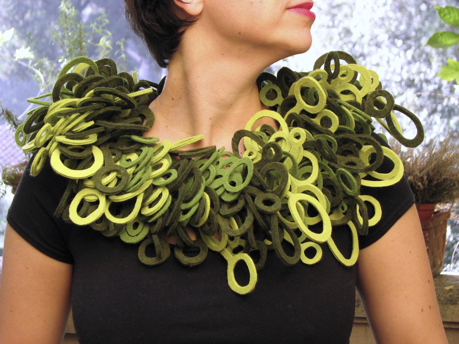 loopy collar.jpg