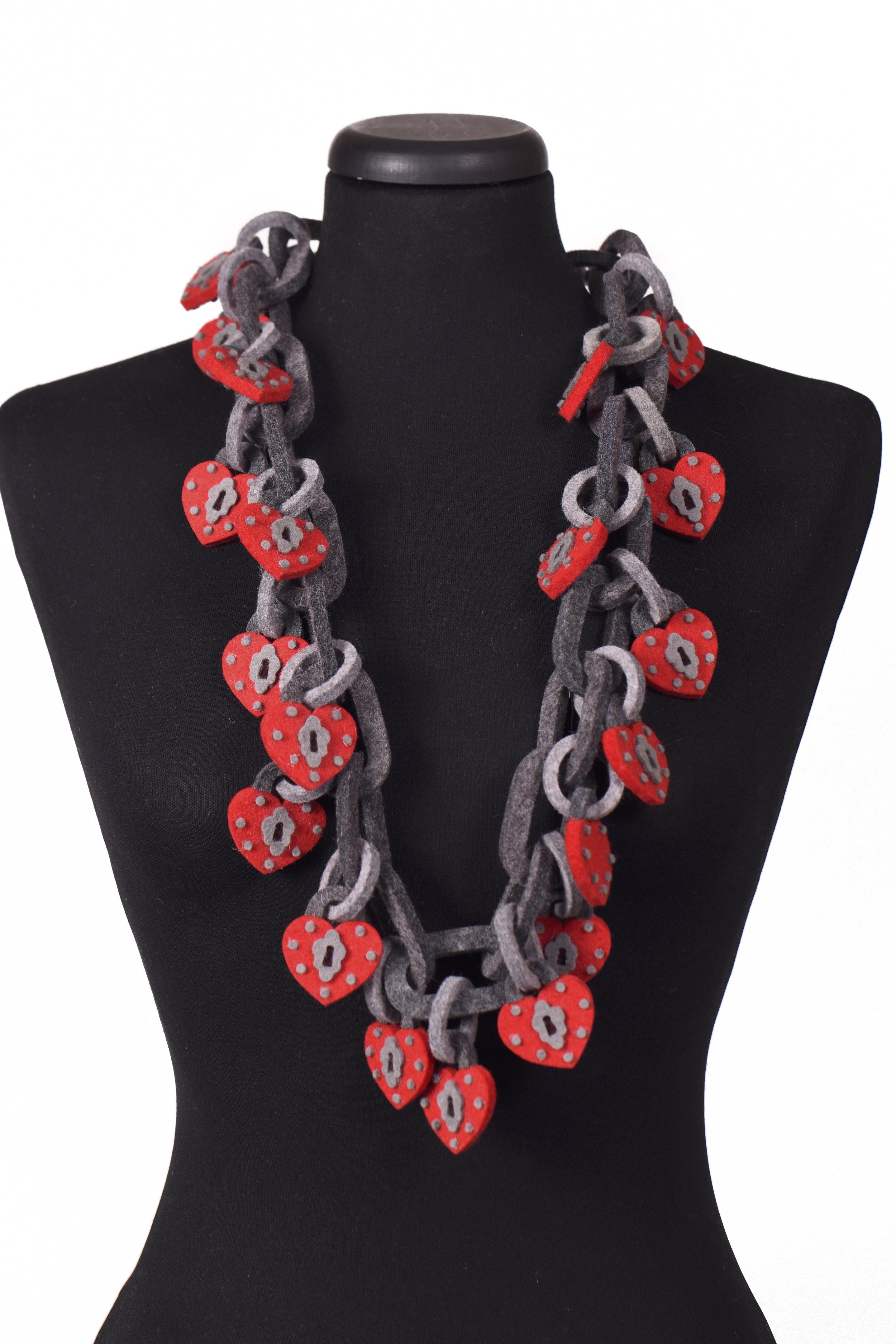 locks chain necklace.jpg