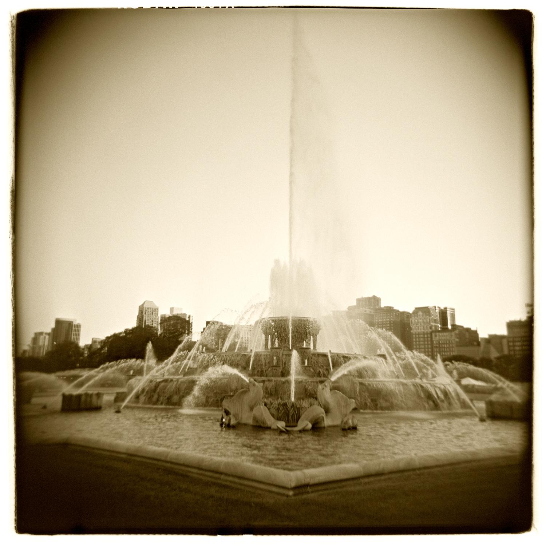 """Buckingham Fountain, Chicago"" H1467"
