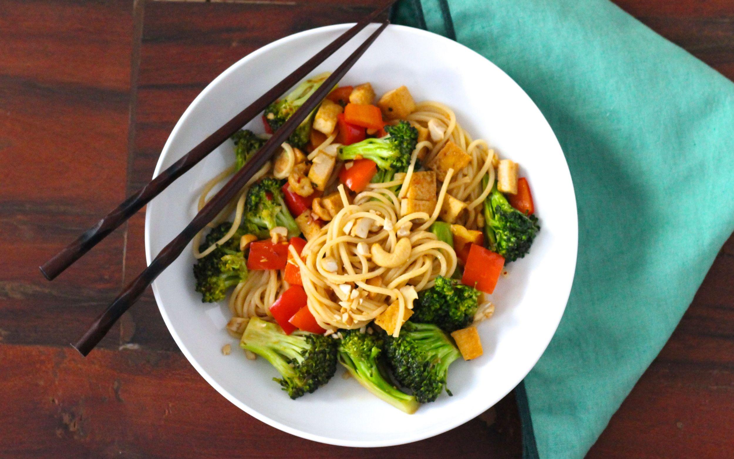 Sweet-Spicy-Broccoli-Noodle-StirFry