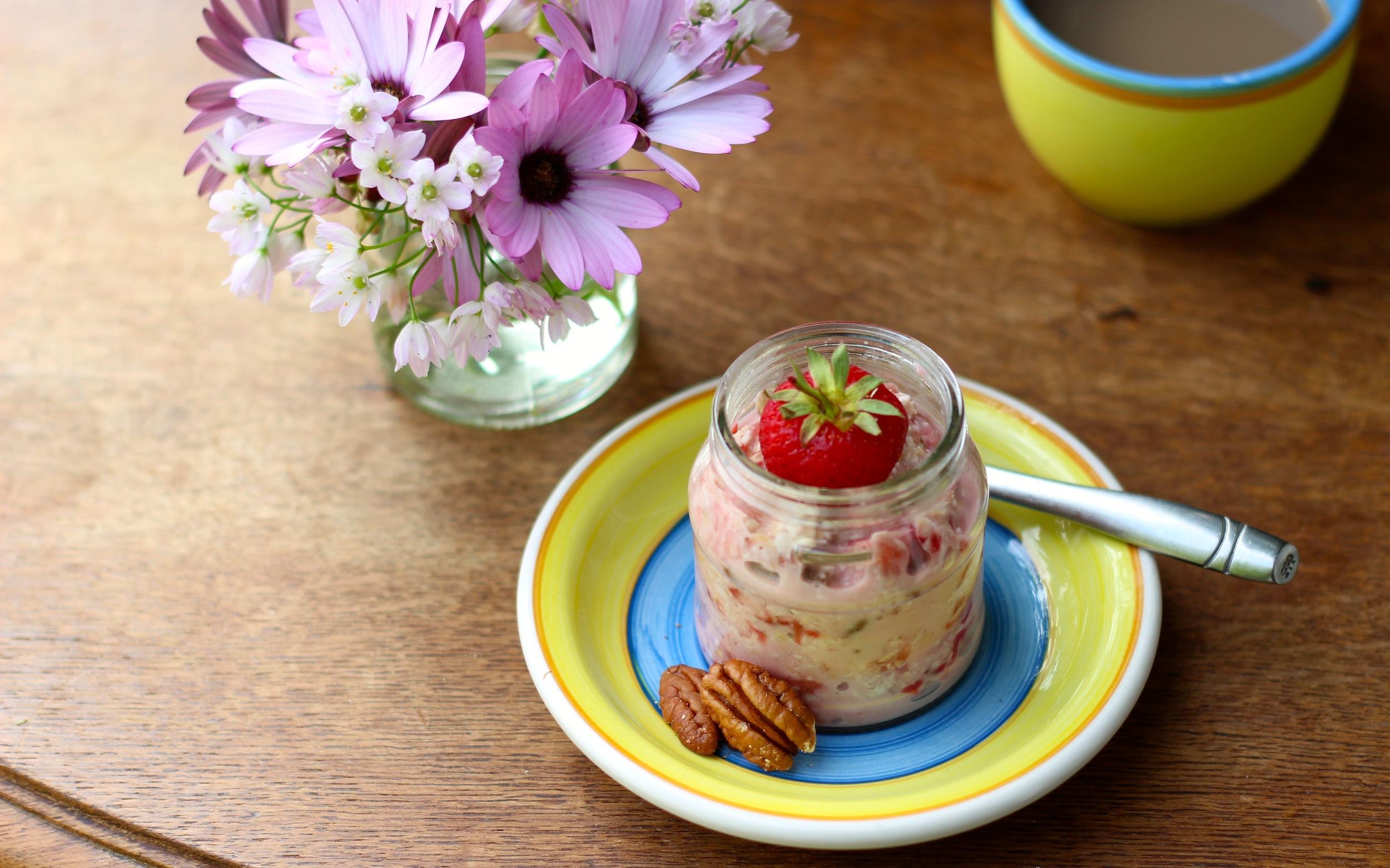 Strawberry-Coconut-Bircher