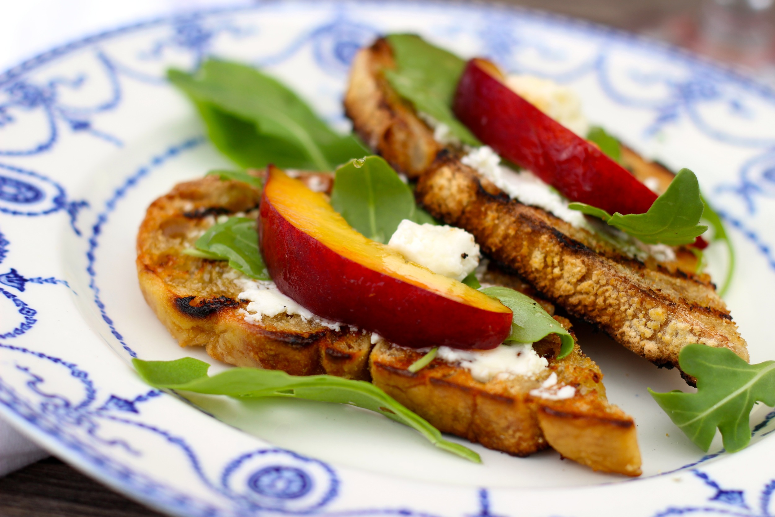 Bruschetta-Goat-Cheese-Peach-Arugula