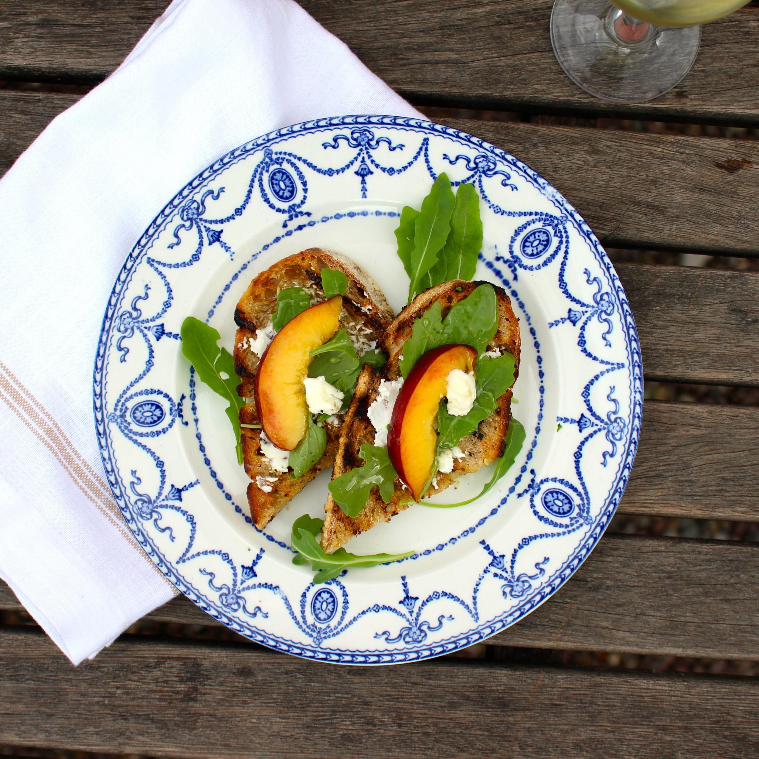 Bruschetta-Goat-Cheese-Peach-Arugula