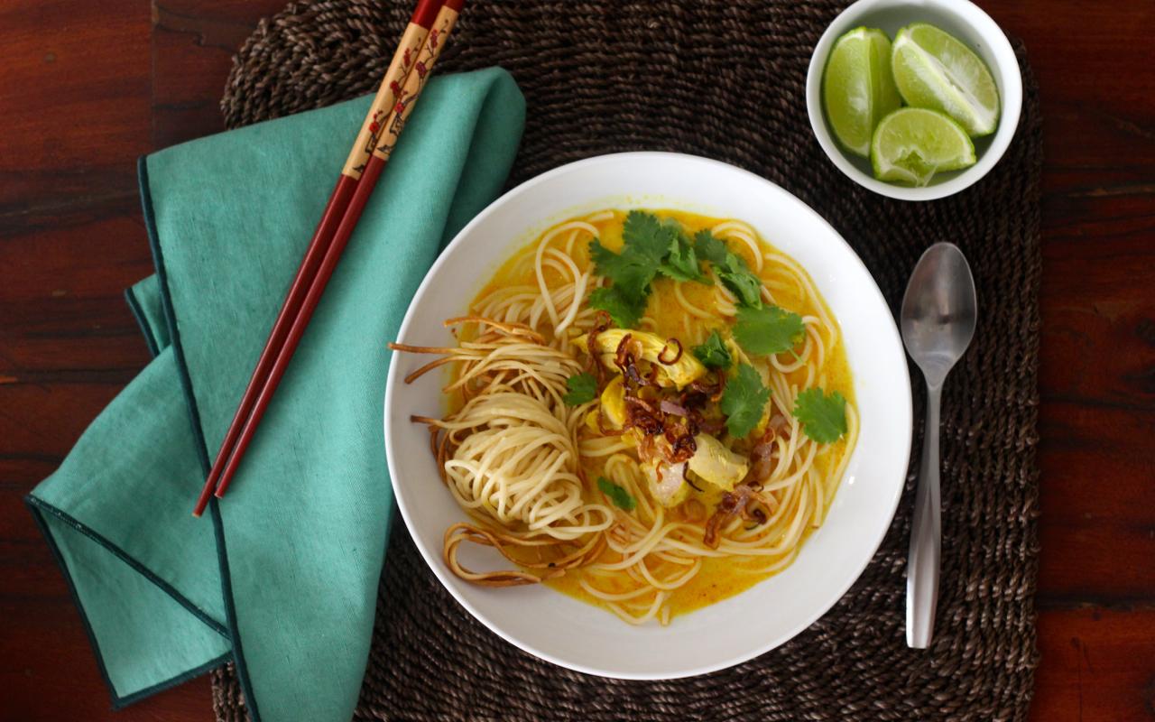 Khao-Soi-Chiang-Mai-Curry-Noodles