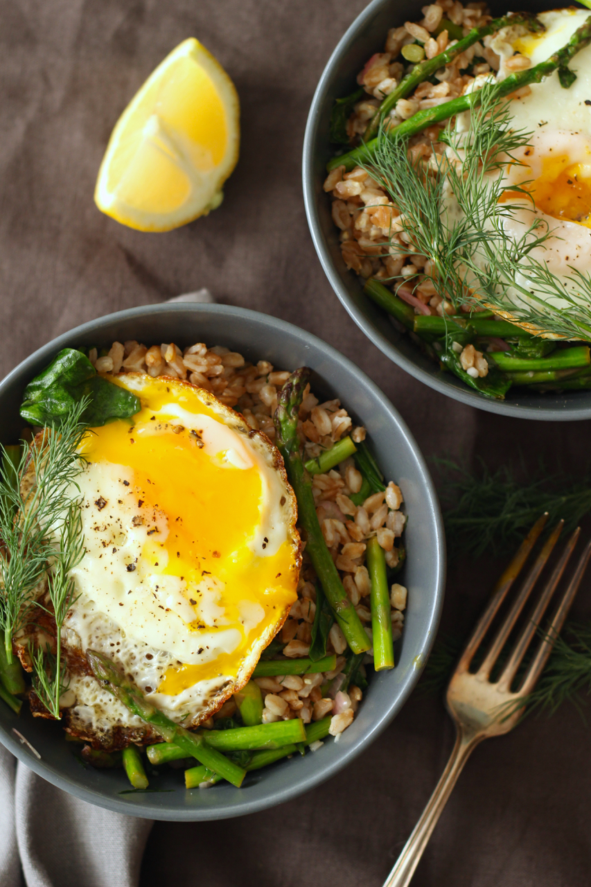 Farro with Crispy Egg, Asparagus, Spinach and Dill - Borrowed Salt