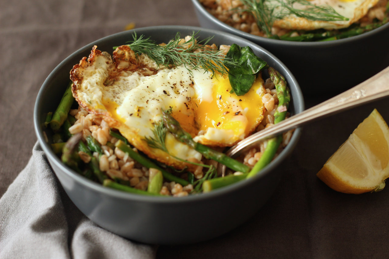 Farro with Crispy Egg, Asparagus, Spinach and Dill
