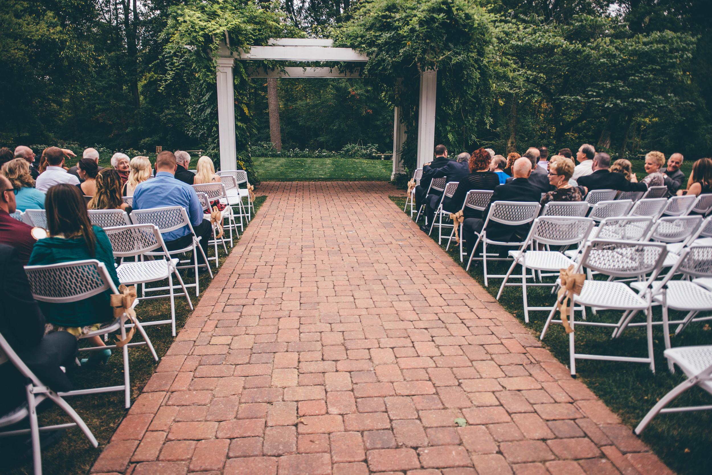 Michigan Vintage Wedding Venue | Miss Lyss Photography | www.misslyssphotography.com