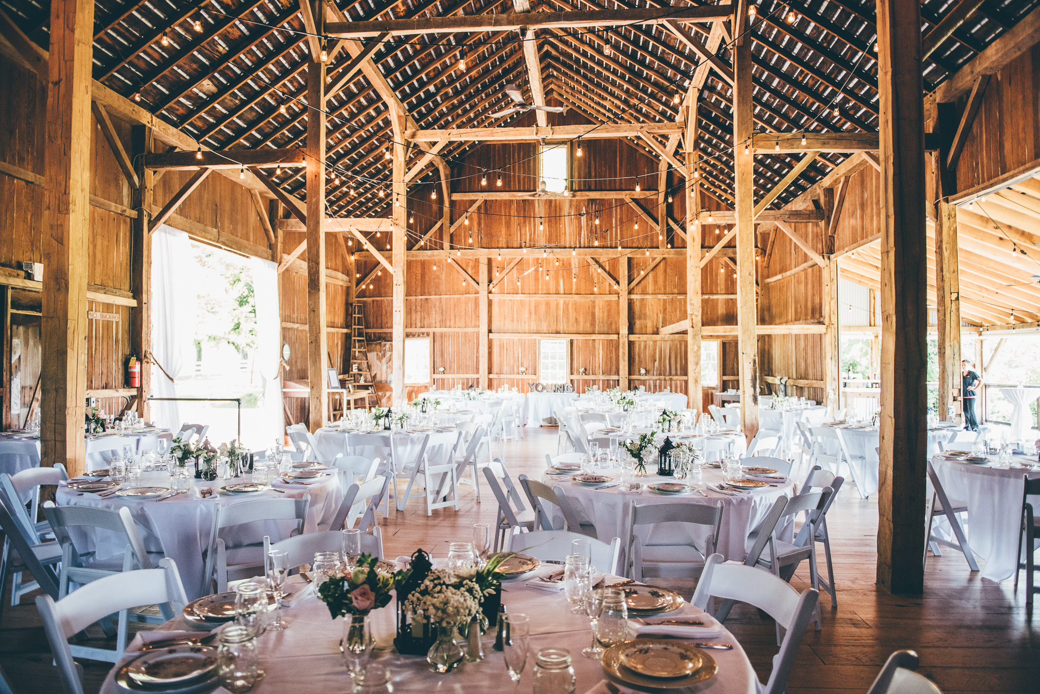 Elegant Michigan Barn Venue | Miss Lyss Photography | www.misslyssphotography.com