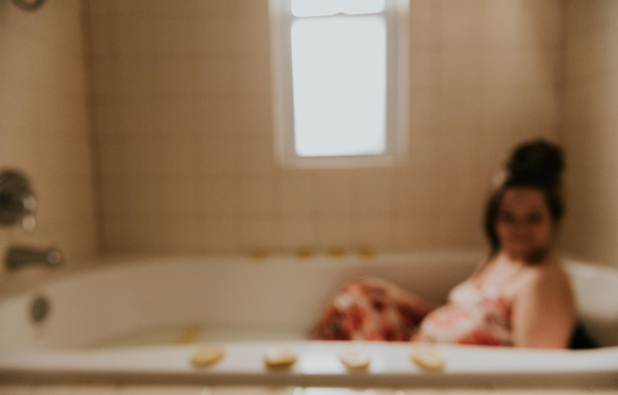 Michigan Milk Bath Photographer | Miss Lyss Photography | www.misslyssphotography.com