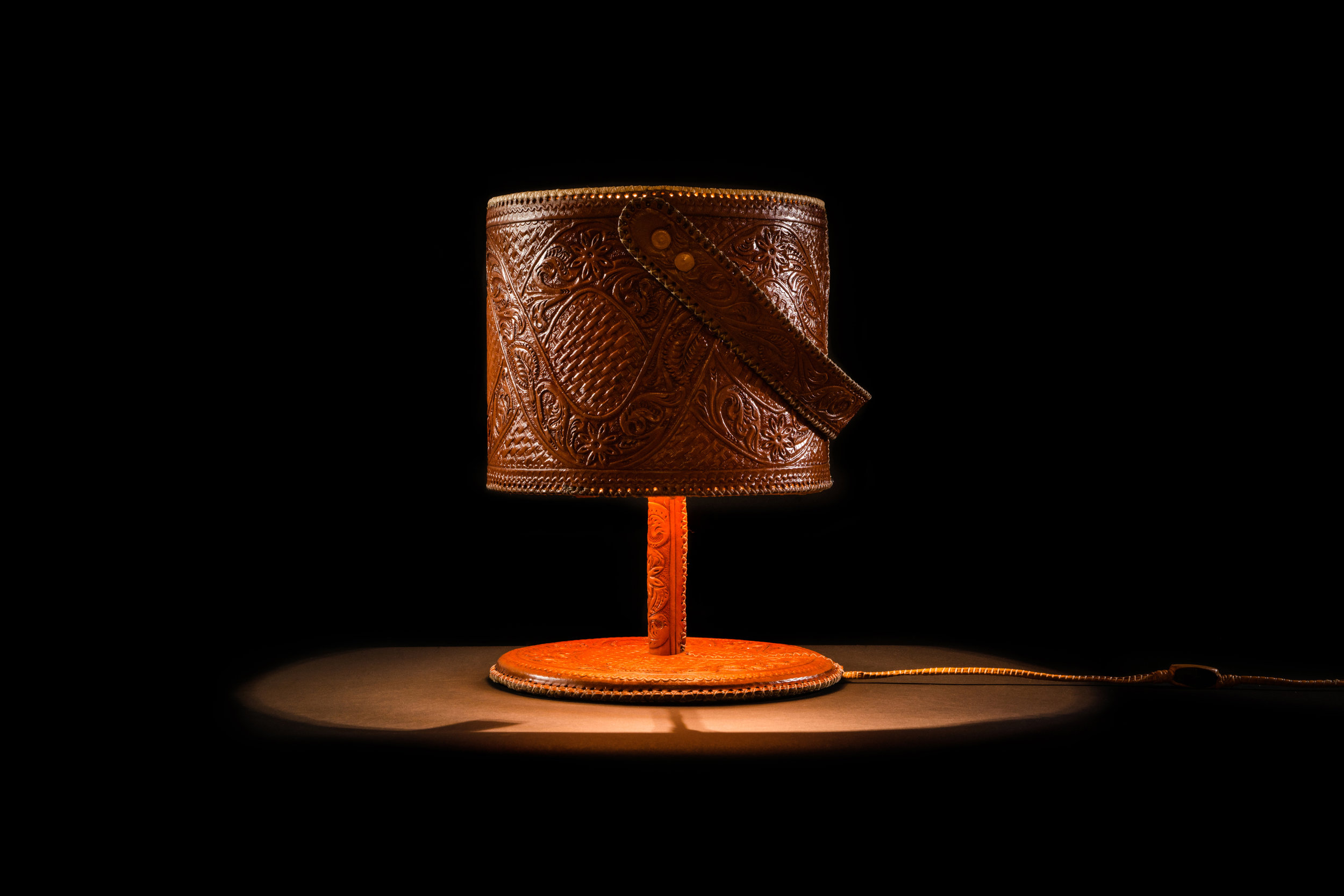 jorge-diego-etienne-chiseled-leather-lamps-8