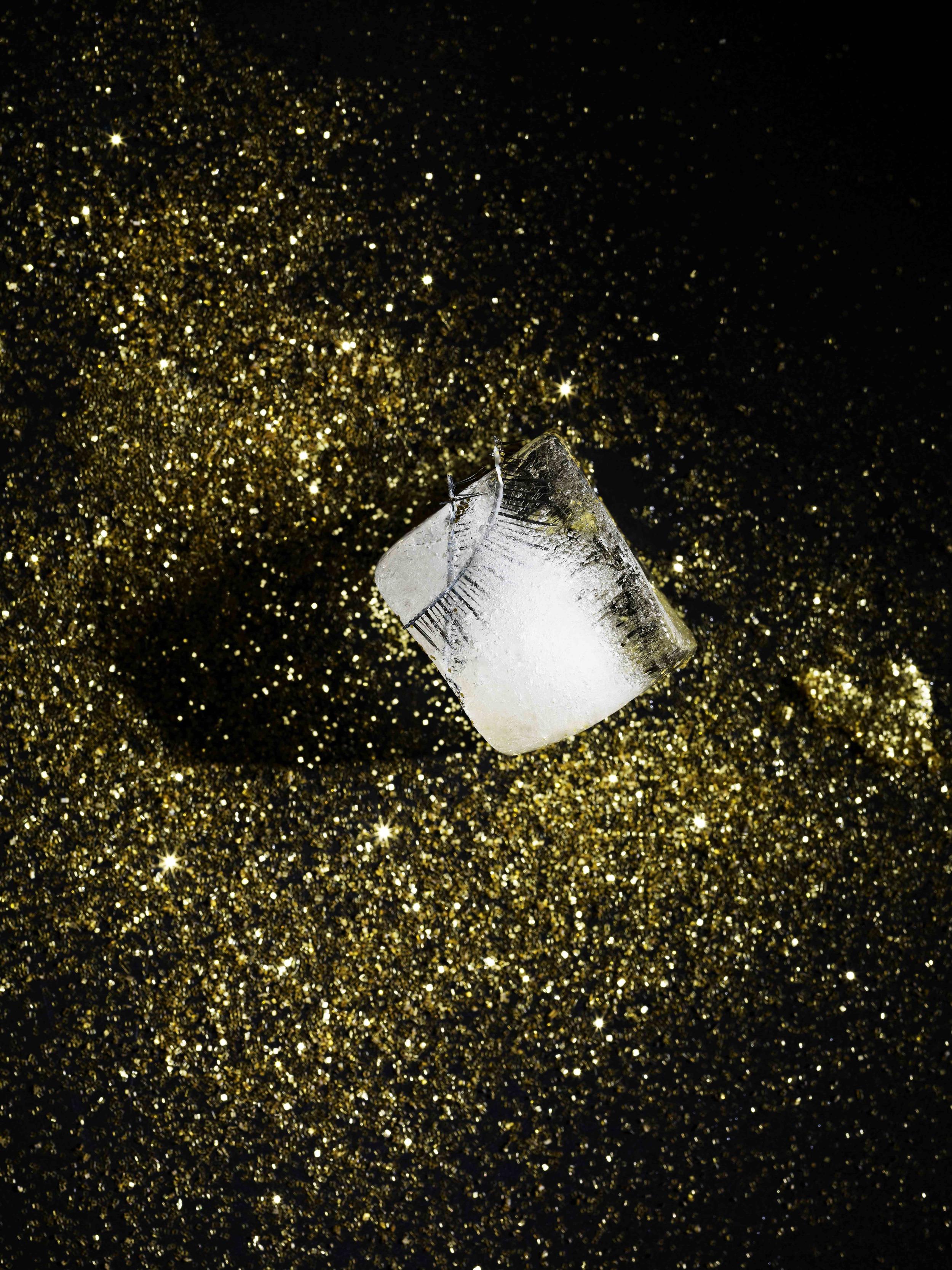 Astrid Limal_Frozen_Ice cube.jpg