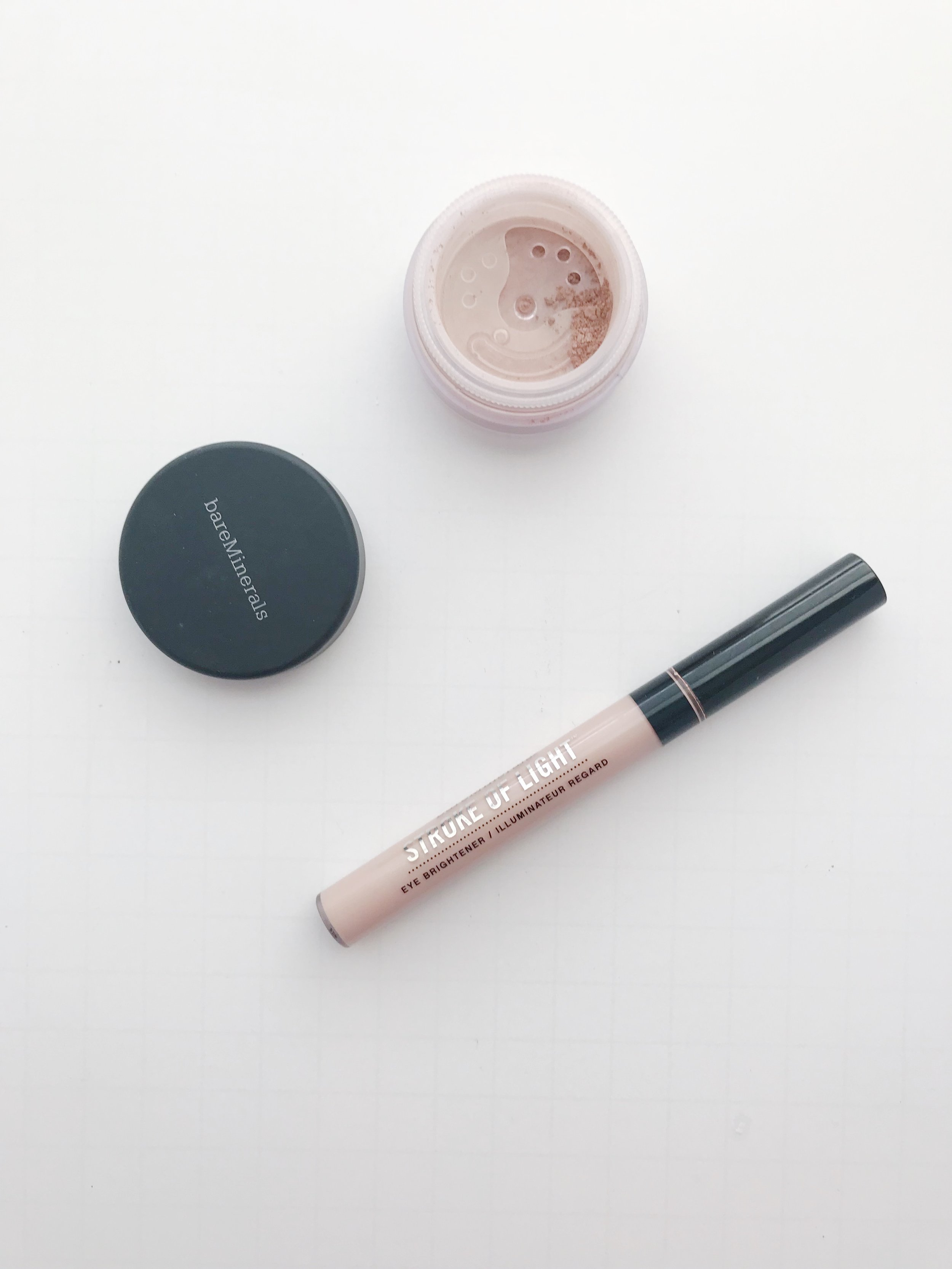 bare-minerals-stroke-of-light-review.JPG