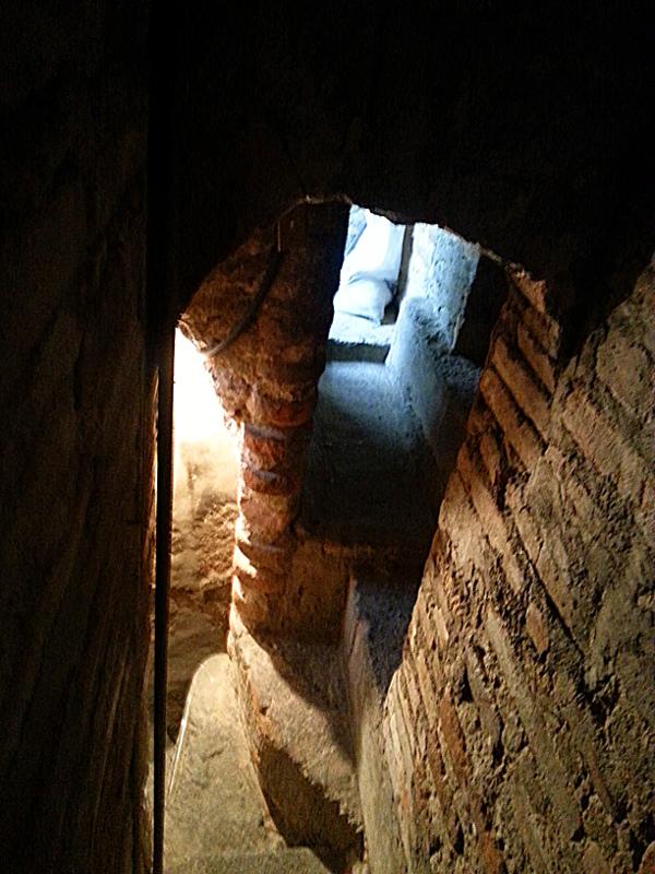 Iglesia El Sagrario, secret passage, Quito