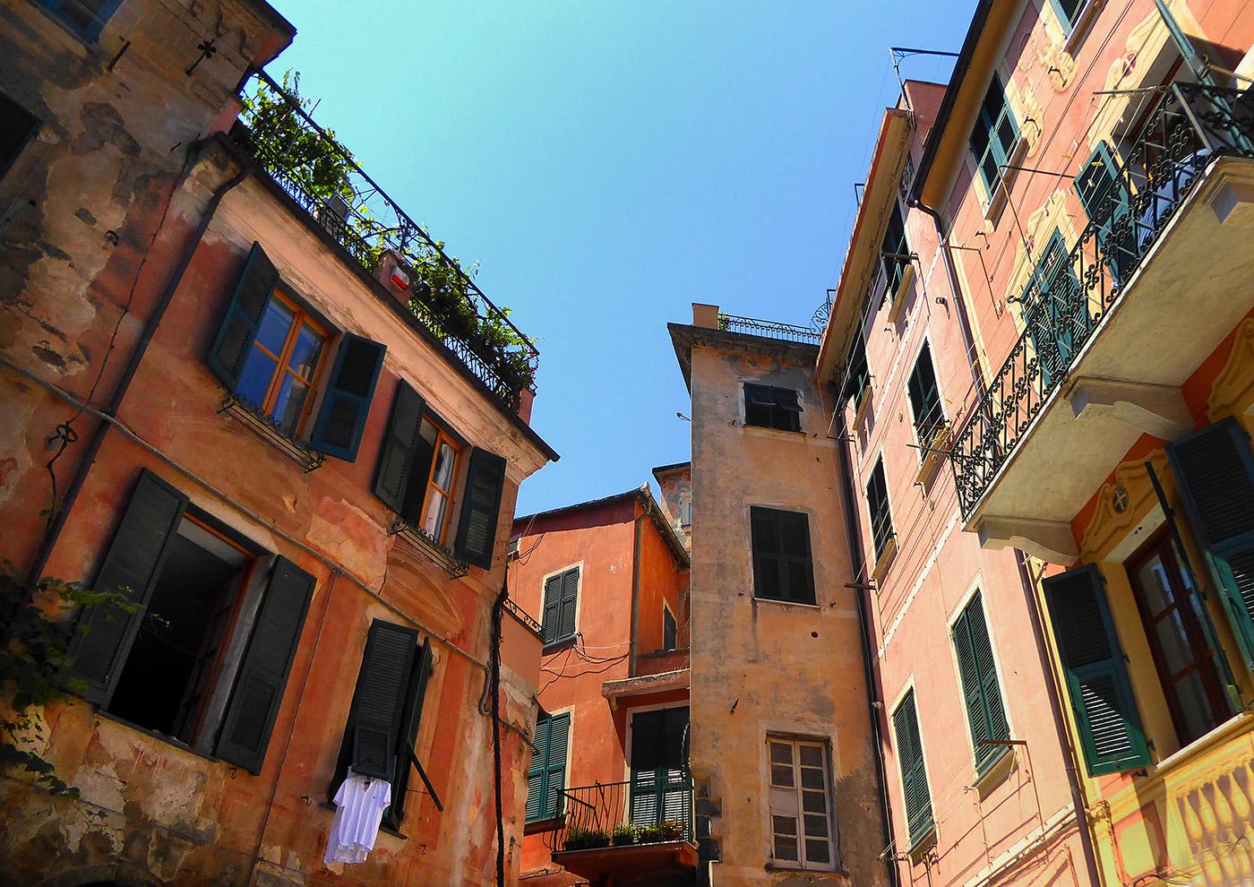 45_Italian street scene_Linda Oliver
