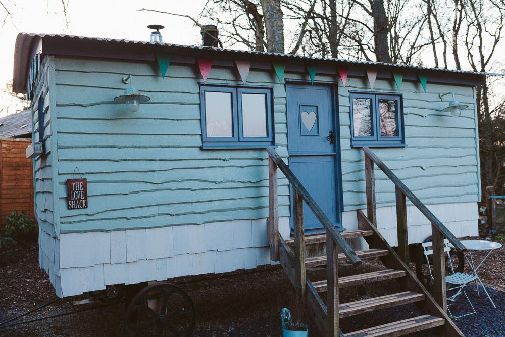 Woodhill Hall Shepherd Hut - aka 'The Love Shack'