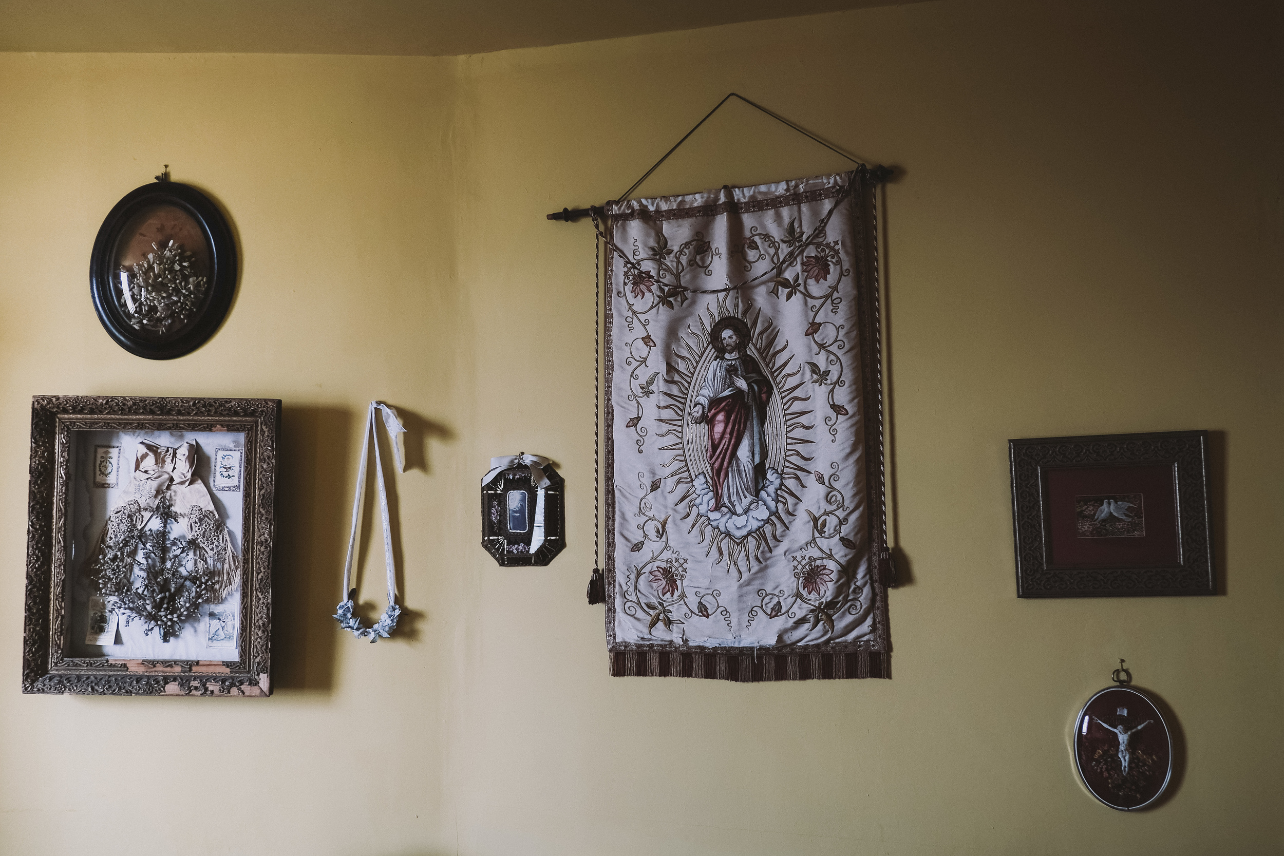 La Rosa Hotel Whitby // Sacre Coeur Room Wall Hangings // By Wedding Photographer Barry Forshaw
