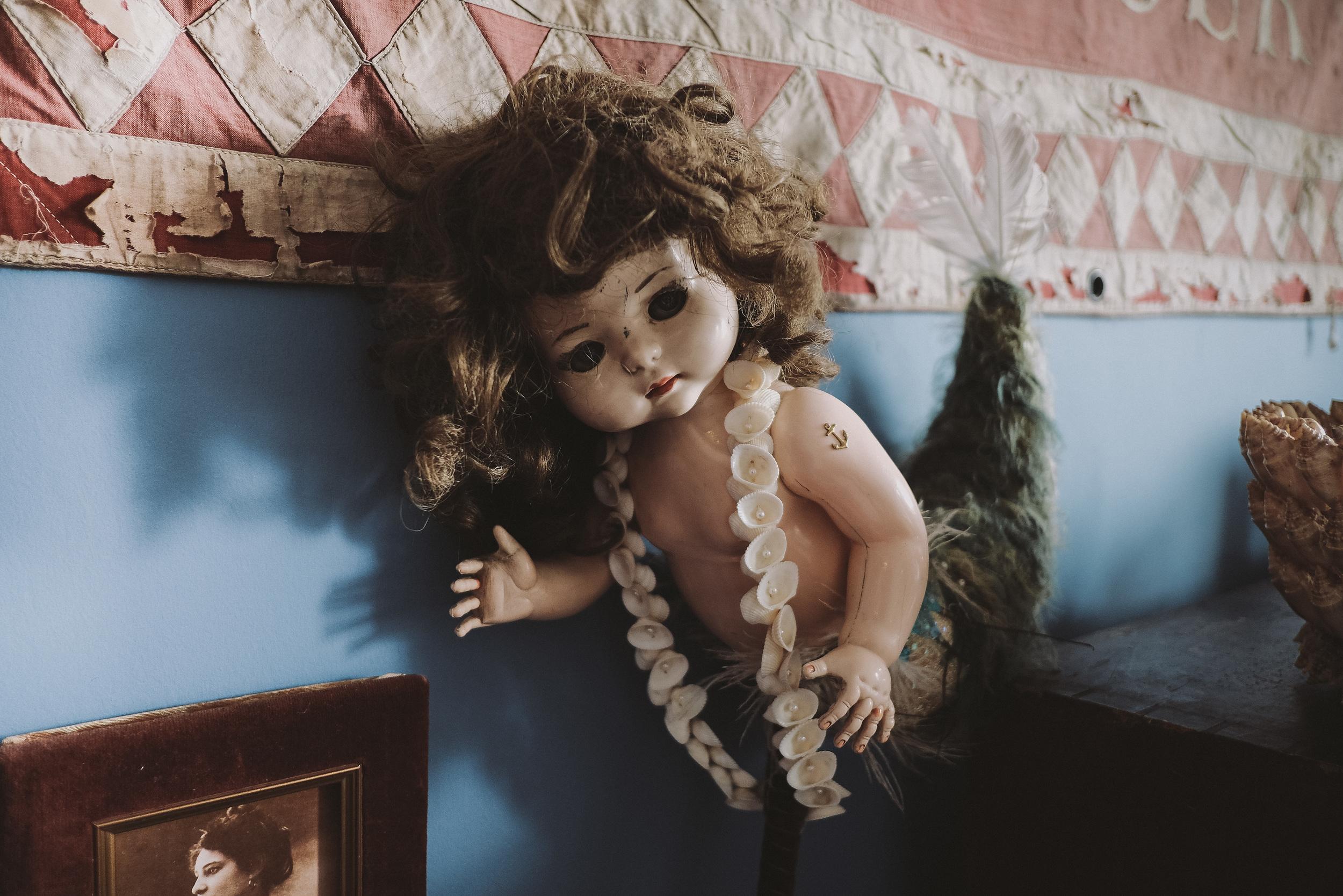 La Rosa Hotel Whitby // Tea Room Mermaid // By Wedding Photographer Barry Forshaw