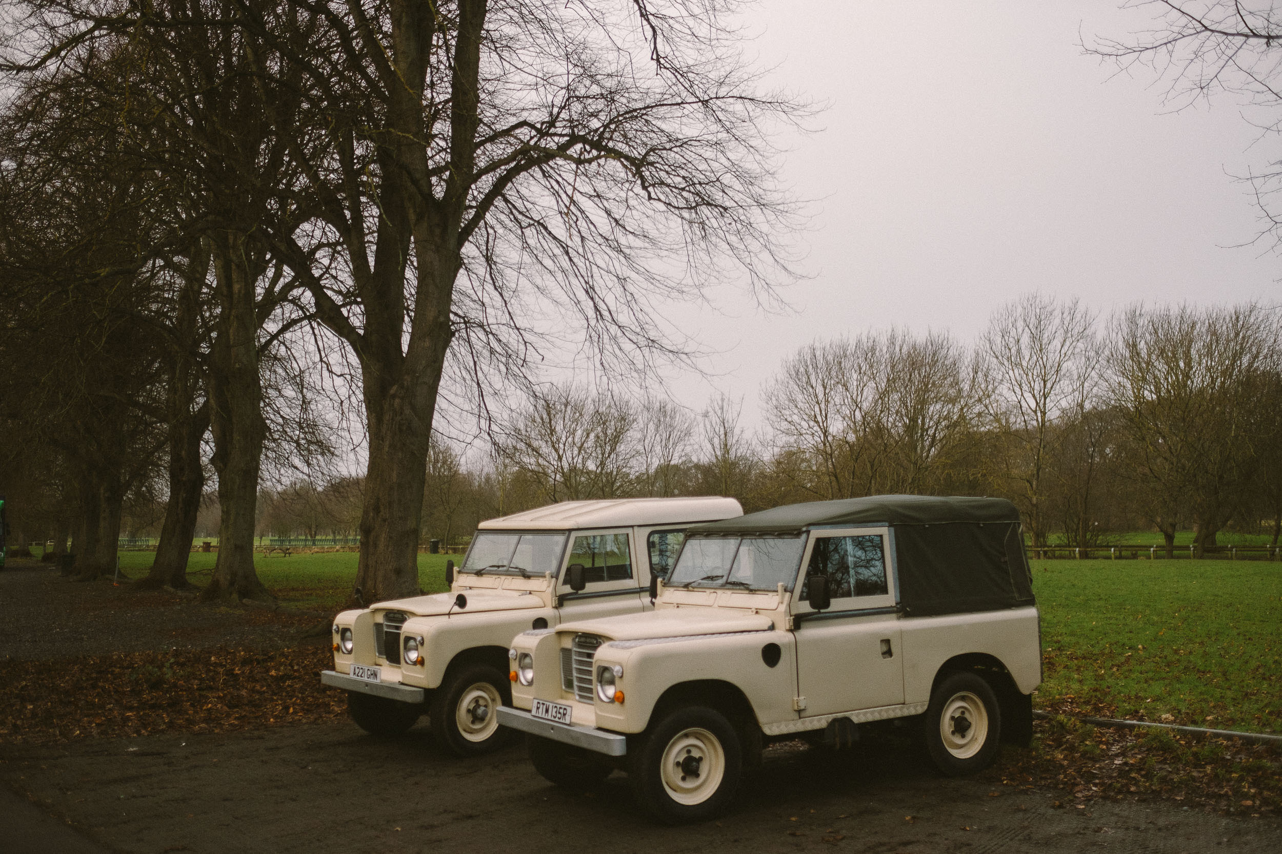 Land Rover Wedding Hires for Northumberland elopements by Barry Forshaw-0009.jpg