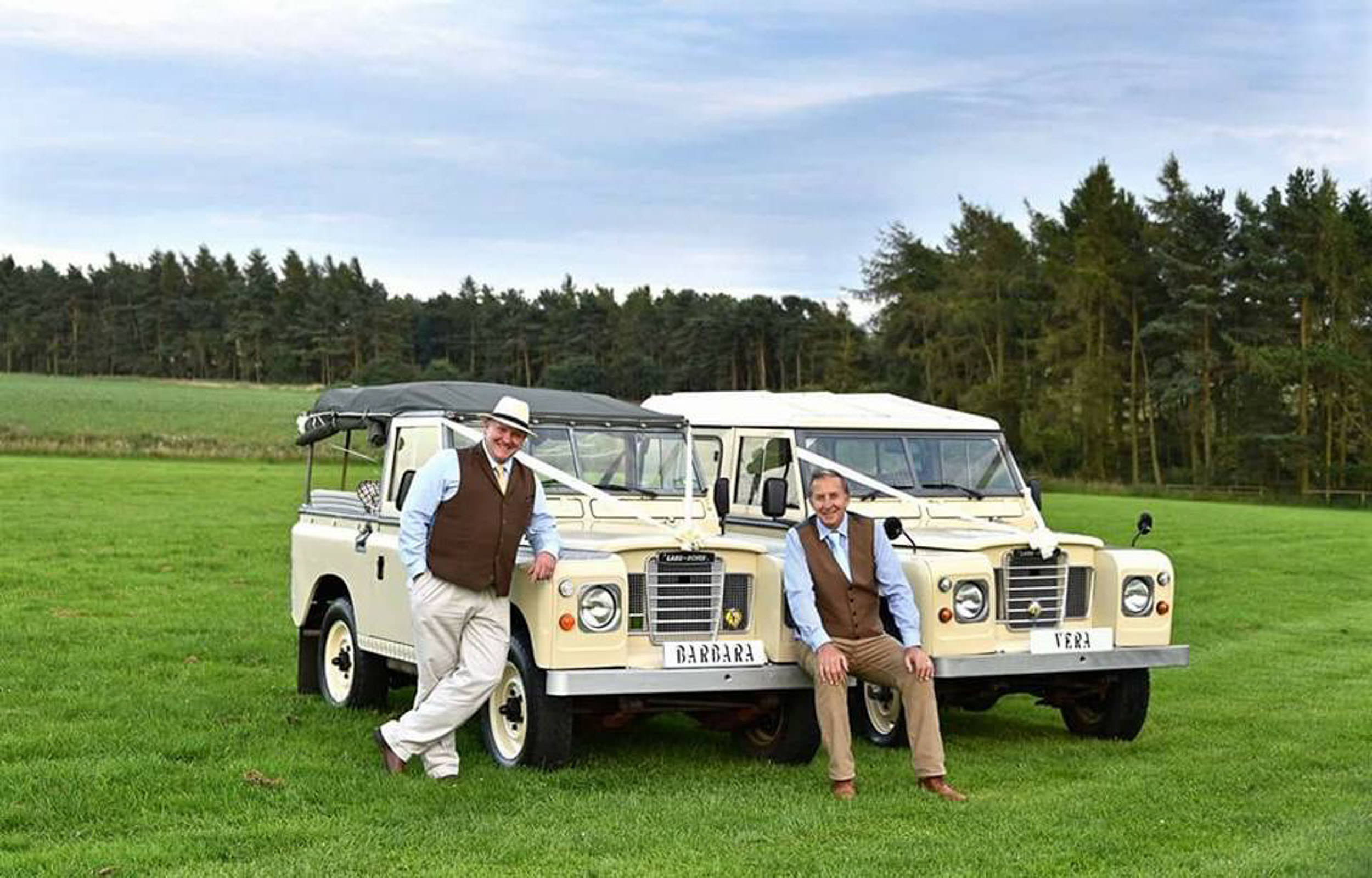 Land Rover Wedding Hires for Northumberland elopements by Barry Forshaw-0019.jpg