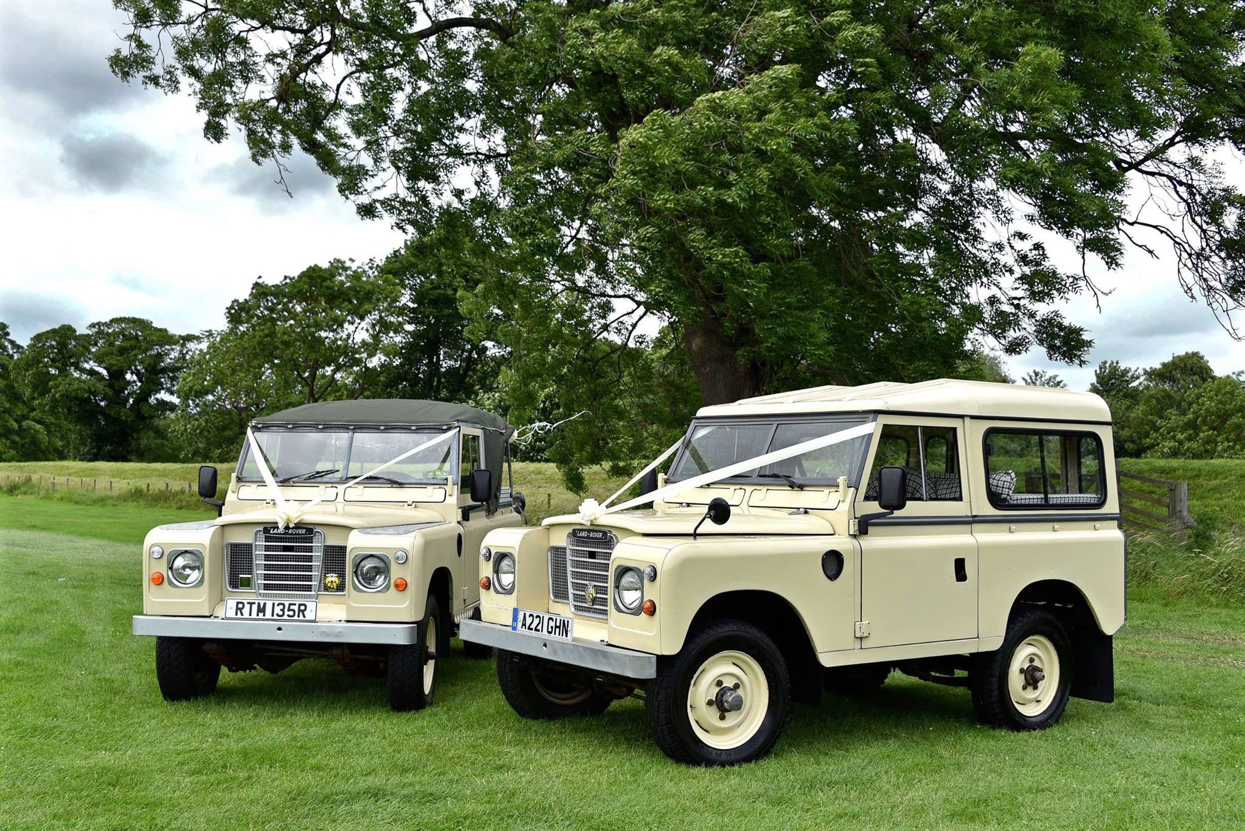 Classic Land Rovers available for wedding hire across North East Eangland