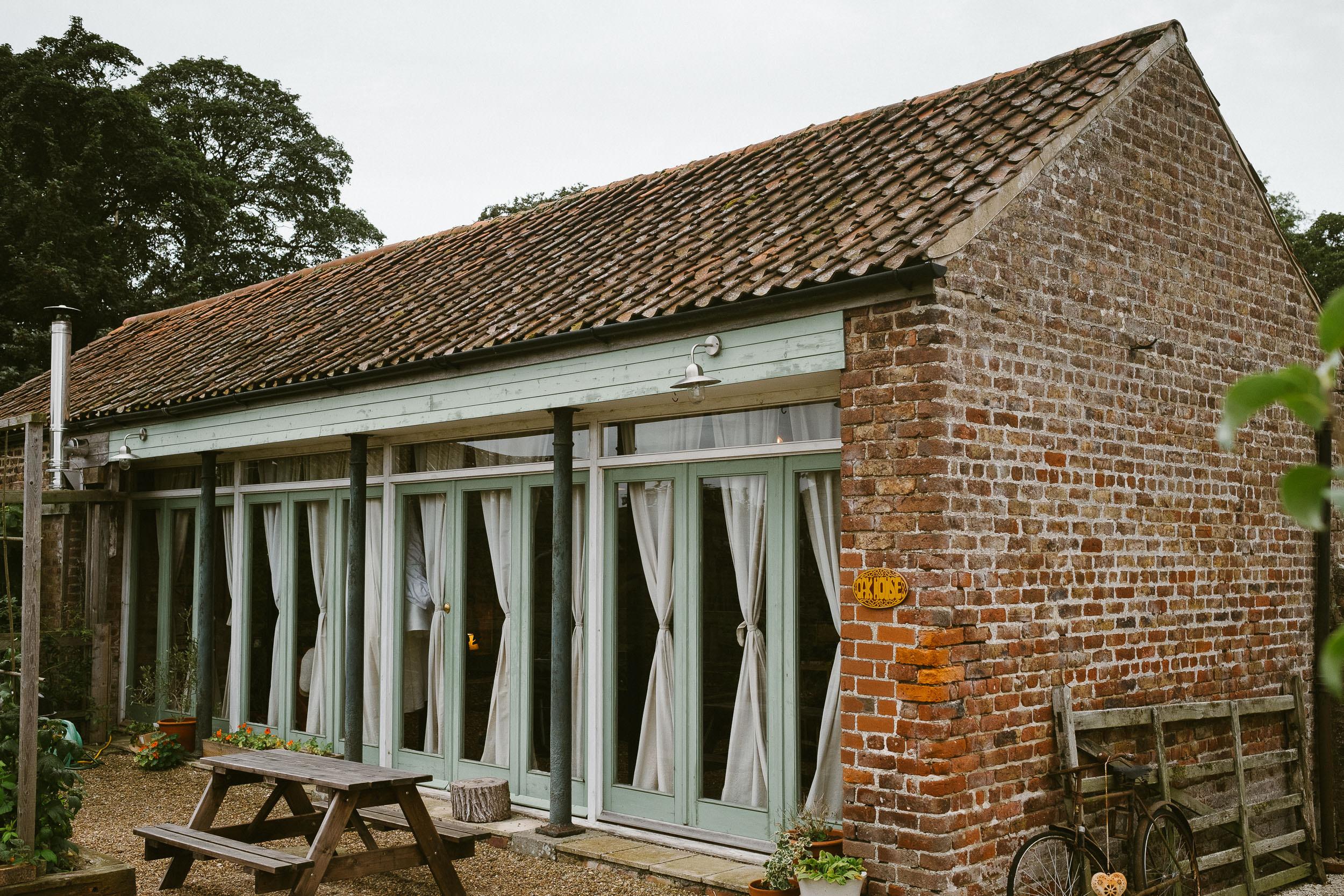 Dale Farm Yorkshire wedding venue by Barry Forshaw-0010.jpg