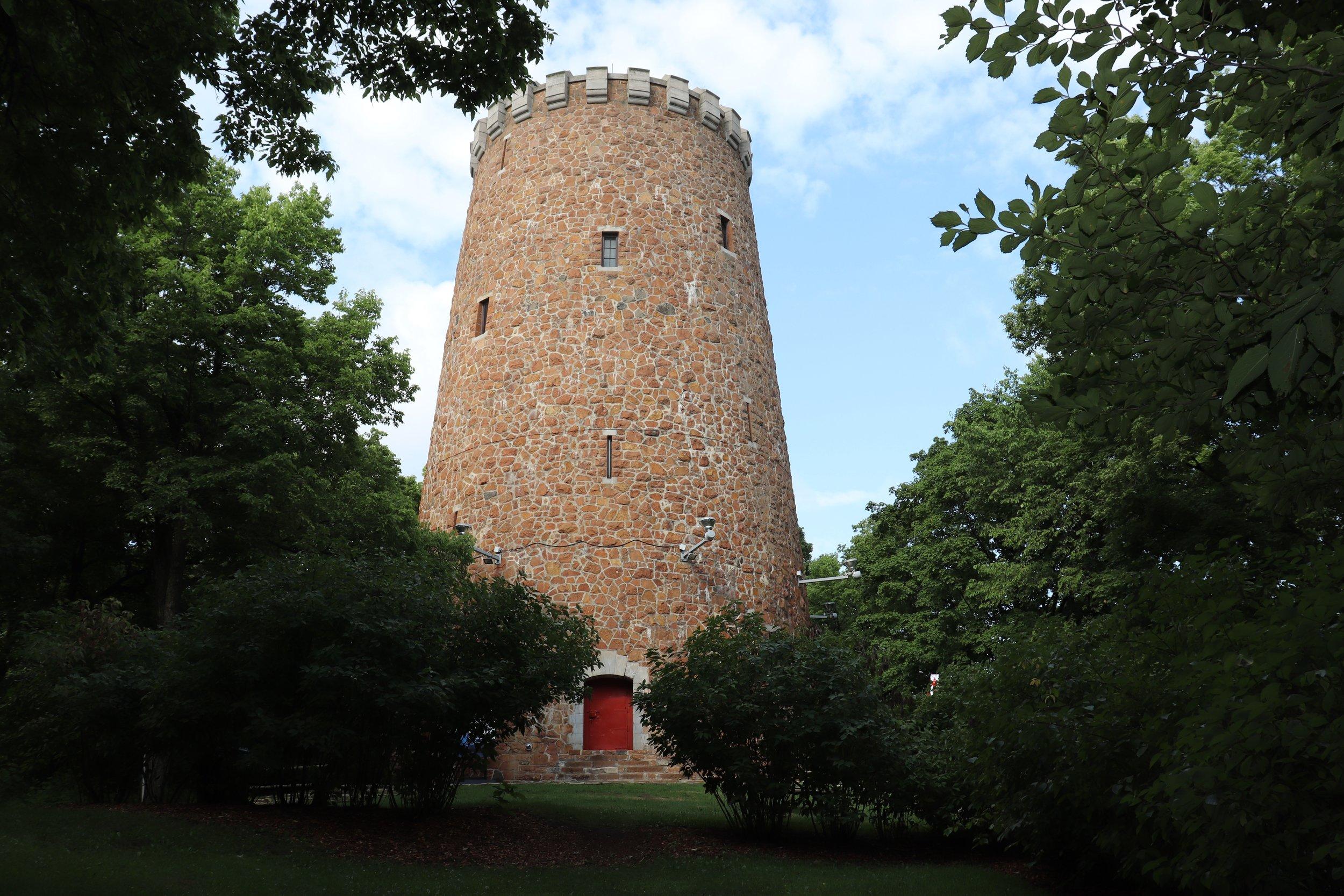 Ouverte aux visiteurs cet été, la Tour de Lévis offre un panorama sur 360 degrés