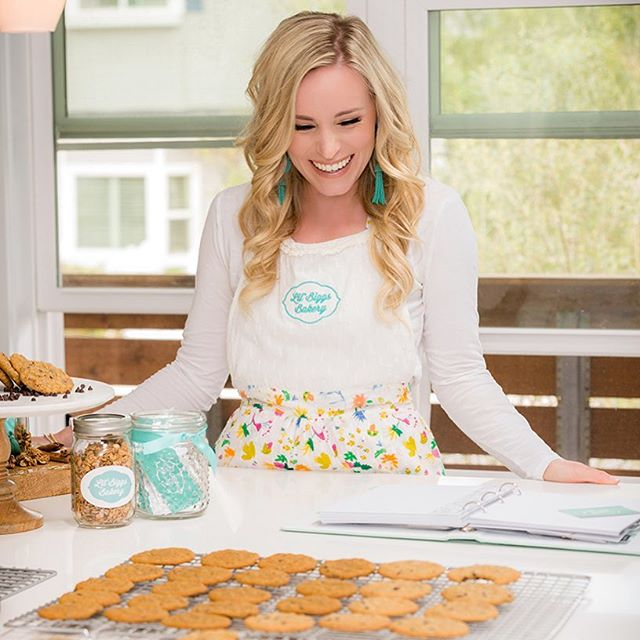 We are moving and grooving through our to do list this week! Of course having some #glutenfree cookies to snack on always helps!! 🍪 What flavor cookie do you love to snack on? Comment below👇🏼 . . . . . . . . . . . . . . . #glutenfree #dairyfree #soyfree #cookies #glutenfreebaking #bakery #snacks #snacktime #glutenfreesnacks #dessert #chocolatechipcookies #snickerdoodle #oatmealchocolatechip #oatmealrasin